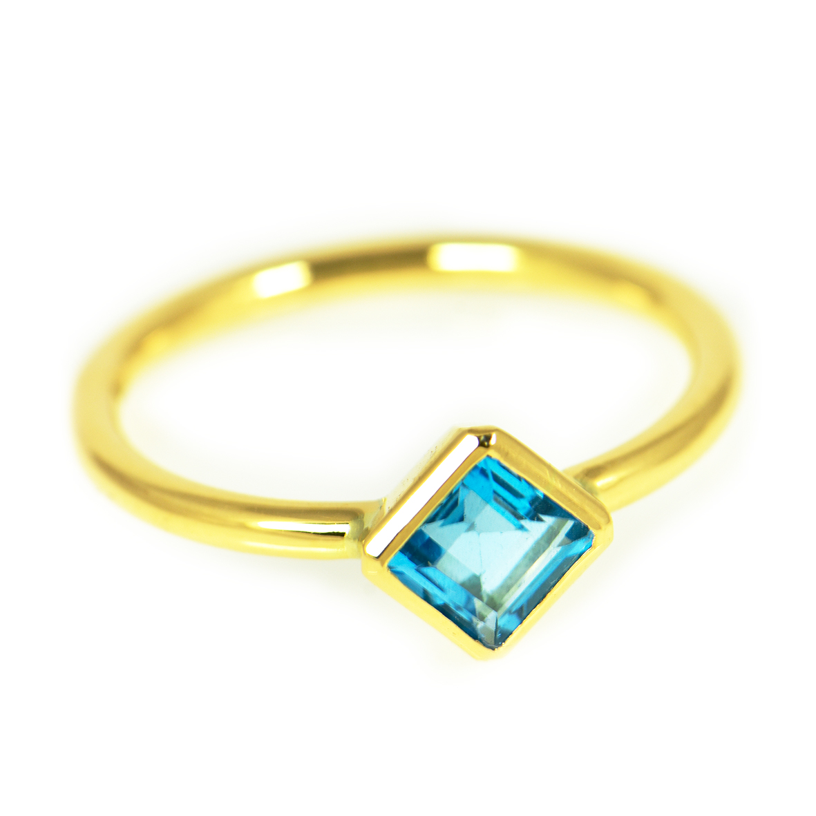 pierścionek ze złota z topazem Swiss